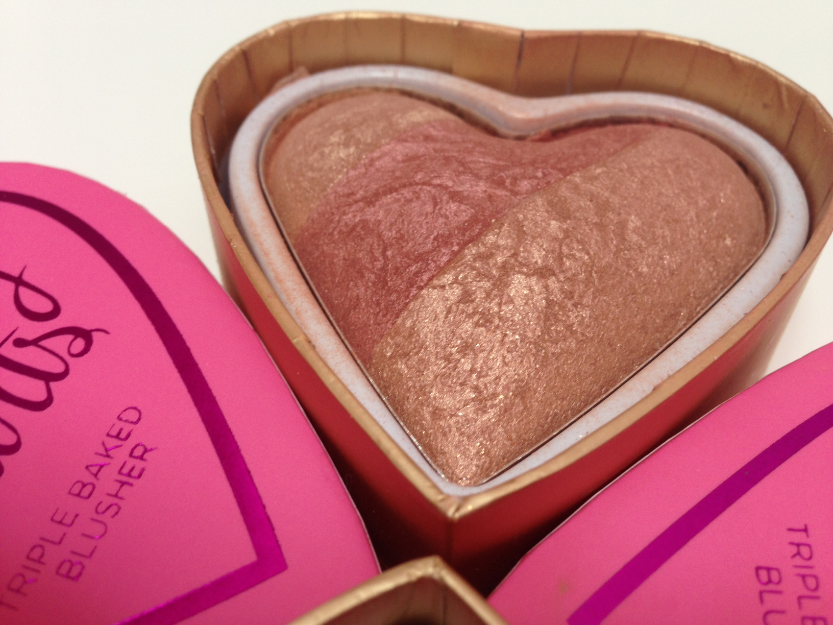 i-heart-makeup-blushing-hearts-peachy-keen-blusher