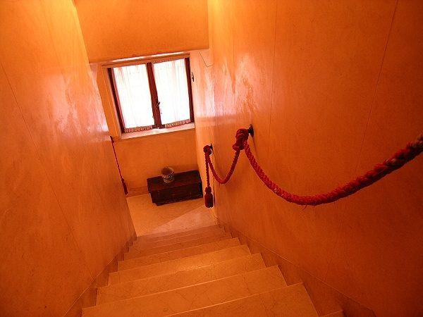 da-ponte-apartment-venice-san-polo-hallway