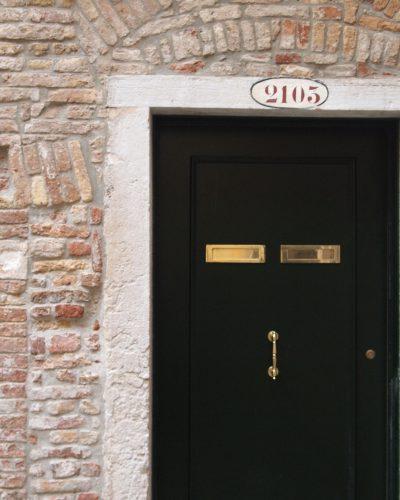 Air B&B | Modern Apartment in Venice
